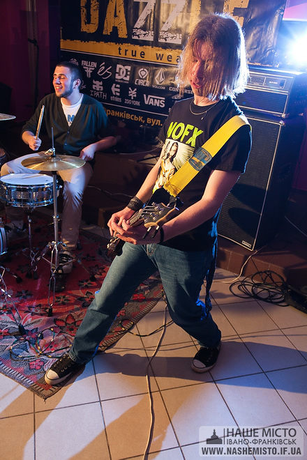Nirvana Covers Party — Kurt Cobain lives!