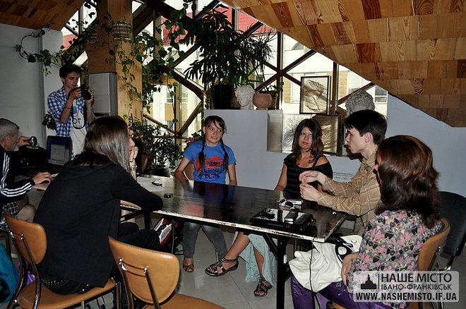 Презентація мистецької виставки-конкурсу «Art-now session FM»