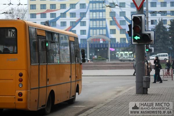 30 хвилин на морозі: в Івано-Франківську через довге очікування на маршрутку захворіла дитина